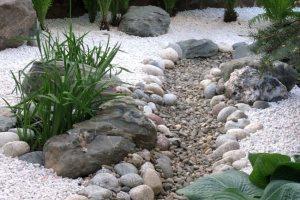 сухой ручей в ландшафтном дизайне фото